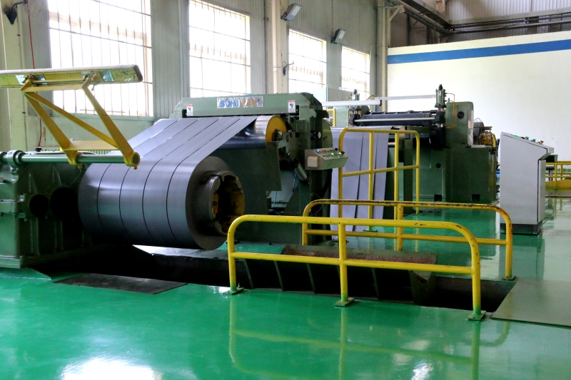 Silicon steel sheet slitting line